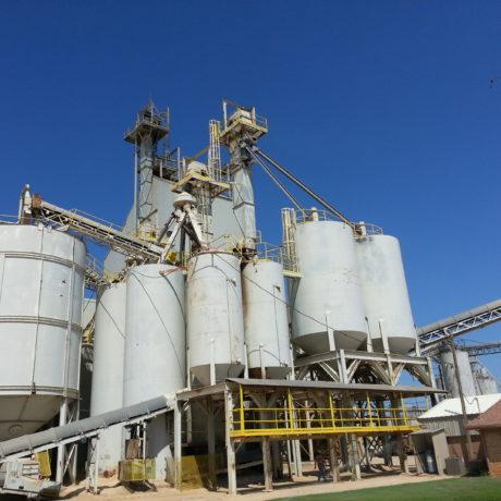 Industriele polyesterwerken